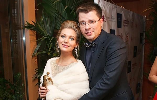 Астролог назвала причину развода Асмус и Харламова