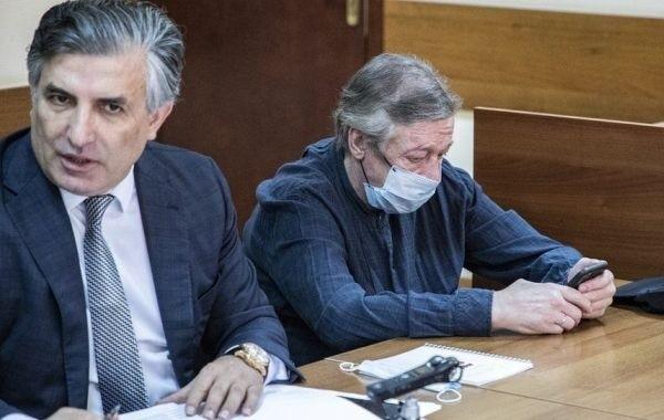 Адвокат Ефремова оказался на допросе в полиции