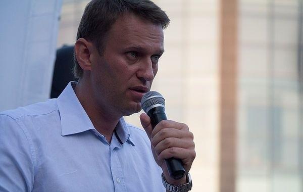 """Навальный поблагодарил """"неизвестных добрых друзей"""""""