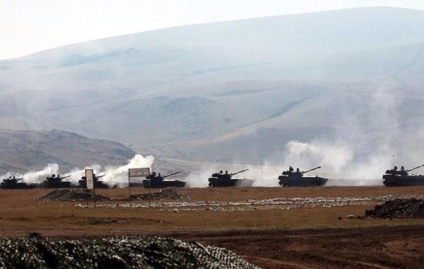 В Нагорном Карабахе не прекращаются минометные обстрелы