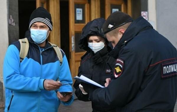 Вирусолог объяснил введение масочного режима в России