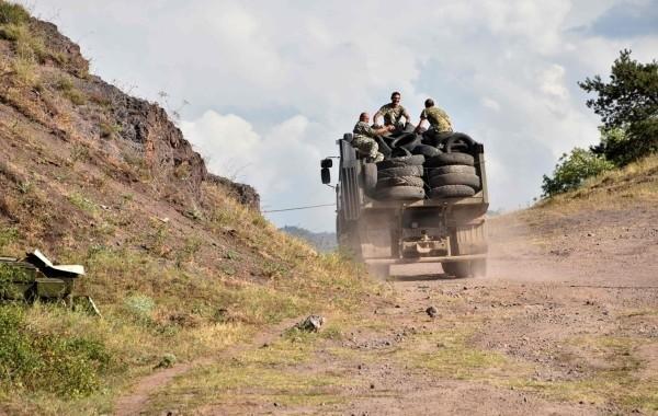 Алиев заявил о взятии под контроль семи сел в Карабахе