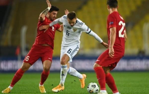 Сборная России по футболу проиграла команде Турции в Лиге наций