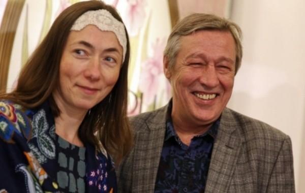 Информация о разводе Ефремова с женой не подтвердилась
