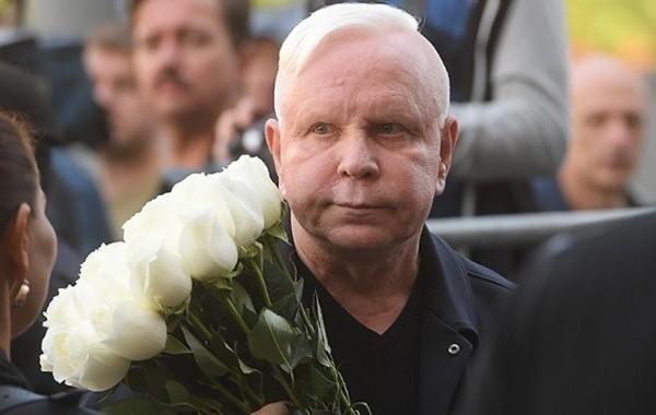 Борис Моисеев готовится к выступлению на телевидении