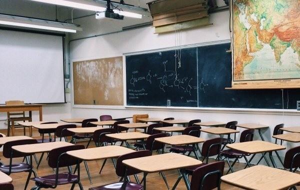 Зимние каникулы в школах могут продлить из-за коронавируса