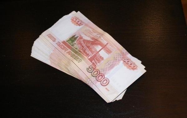 В ПФР опровергли данные о выплате 5 тысяч рублей на детей только на карты