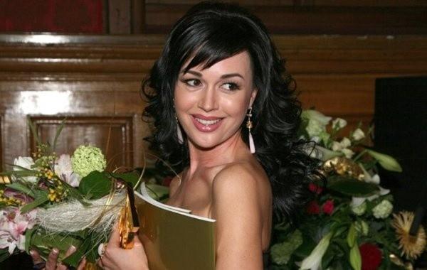 Отец Жанны Фриске сомневается, что Анастасия Заворотнюк победит онкологию