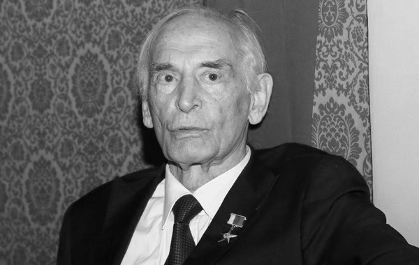 Умер знаменитый актер Василий Лановой