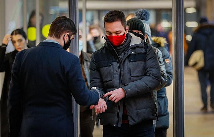 Медики спрогнозировали третью волну коронавируса в России в 2021 году