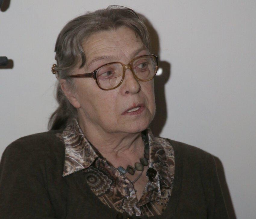 Стало известно, что бывшая жена Владимира Высоцкого прикована к постели