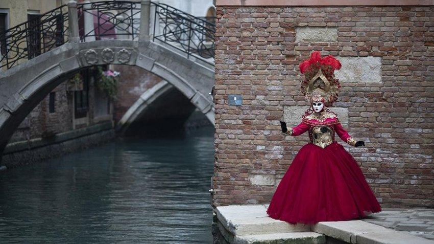 Венецианский карнавал проводят в 2021 году в онлайн-формате