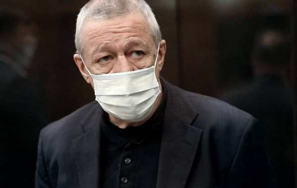 Адвокат Михаила Ефремова рассказал о состоянии актера