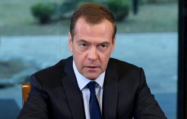 Медведев назвал Навального политическим проходимцем