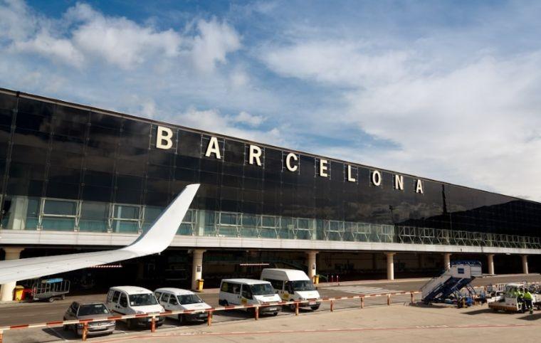 Испания открыла границы для вакцинированных туристов из РФ в 2021 году