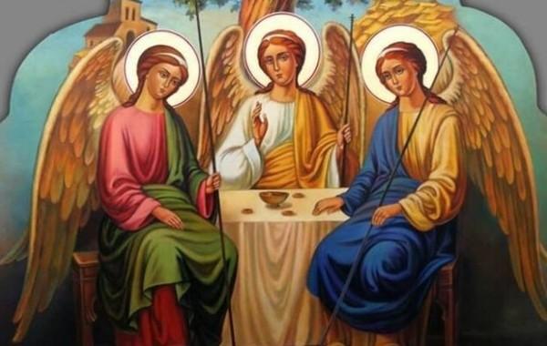 Православным разъяснили, что не рекомендуется делать на Троицу