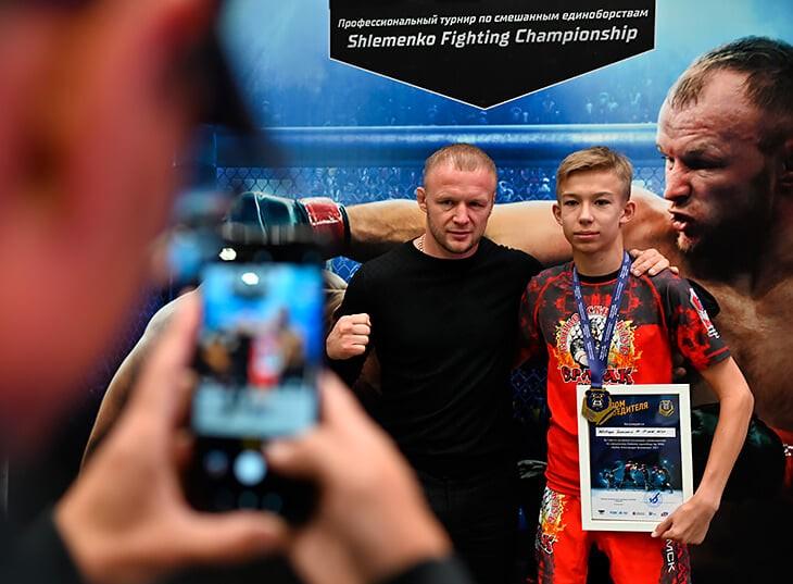 Подробности конфликта бойца ММА Алекандра Шлеменко и рэпера Моргенштерна