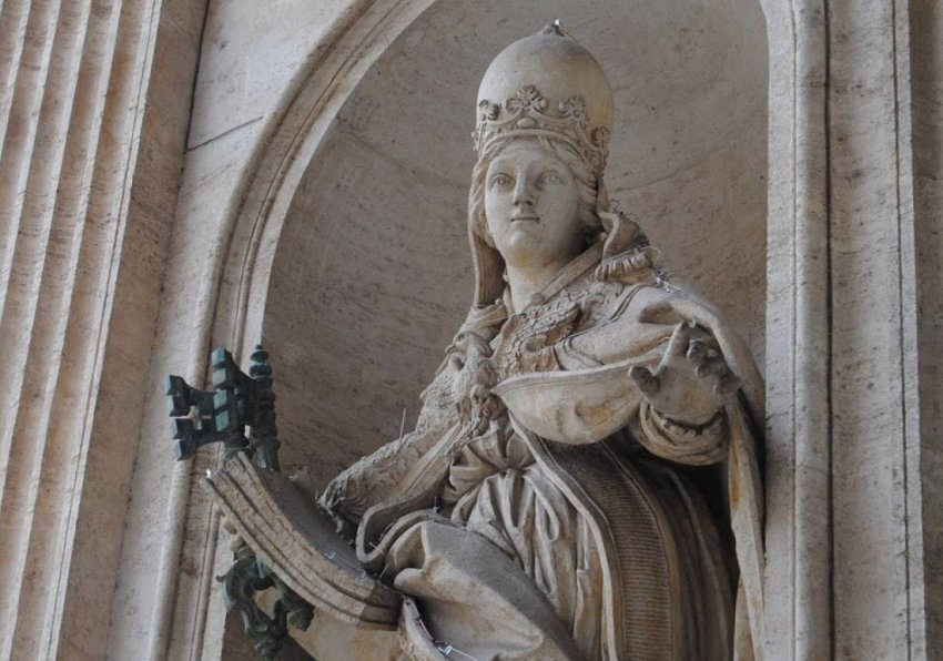 Миф о папессе Иоанне: как девушка из Майнца попов обманула