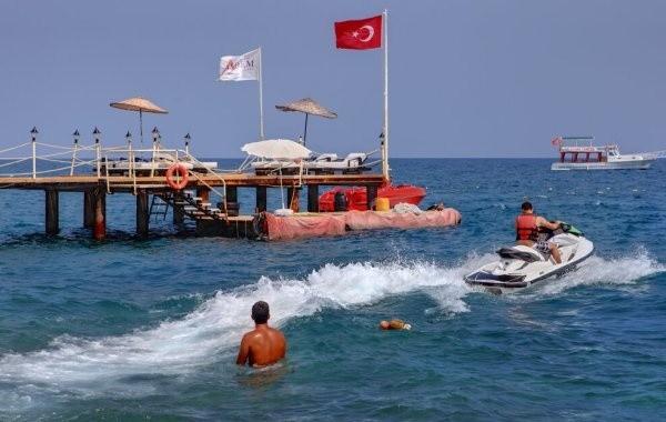 Россияне не хотят отказываться от туров в Турцию, несмотря на пожары