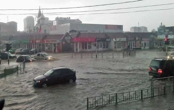 В Анапе из-за стихии подтоплены два десятка отелей и санаториев