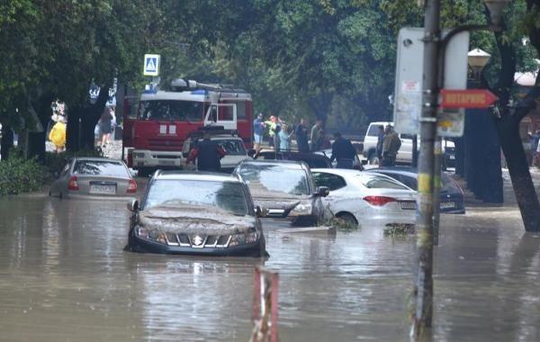 Пострадавшие от урагана жители Анапы начали получать выплаты
