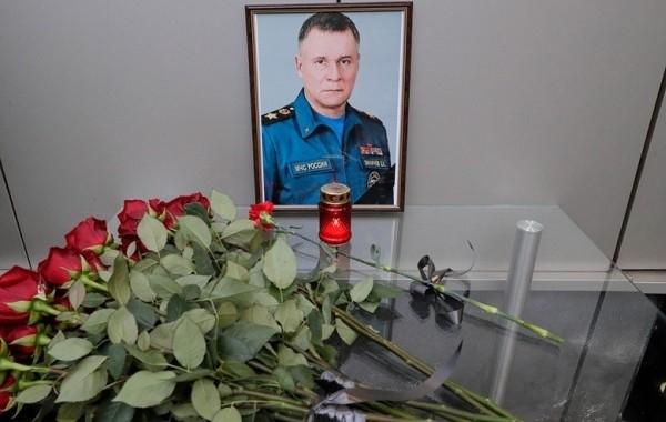 В Кремле считают кощунственными рассуждения о версиях гибели главы МЧС Зиничева