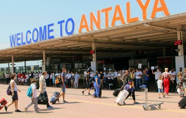 Турция потеряла 16 миллионов долларов из-за действий туристов